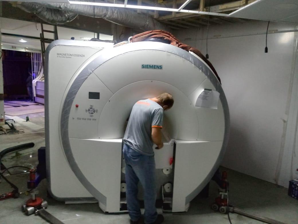 Clínica São Marcos, em Navegantes, recebe primeiro equipamento de ressonância magnética