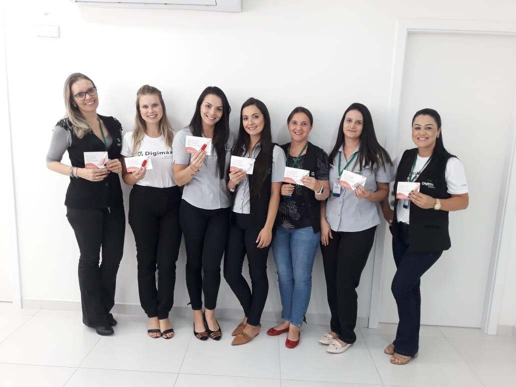 Digimax entrega lembrança especial para colaboradoras e clientes no Dia da Mulher